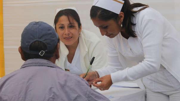 Del total de peruanos que tuvo un problema respiratorio o a alguien de su familia con este mal, el 41% acudió a un médico, mientras que 20% consultó con un farmacéutico.