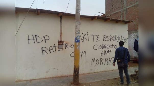 Pintas en un local de la municipalidad de Chiclayo
