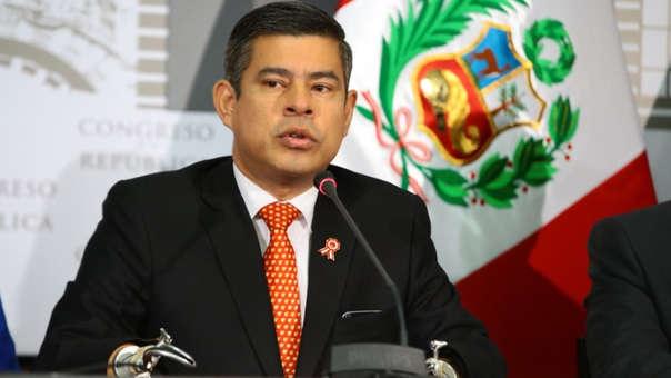 Galarreta estuvo acompañado por los titulares de la Subcomisión de Acusaciones Constitucionales, Milagros Takayama, y el de la Comisión de Fiscalización, Rolando Reátegui.