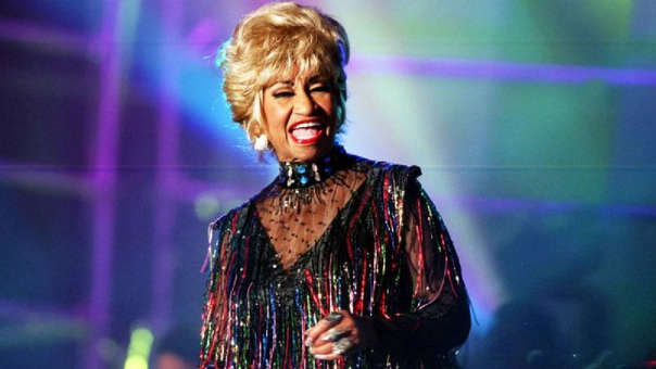 Celia Cruz falleció el 16 de julio de 2003 tras una dura batalla contra el cáncer.