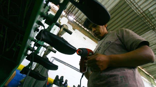 El INEI agregó que más de 3 millones 33,300 personas tienen empleo adecuado y representa el 58.5% de la fuerza laboral de la capital de la República.