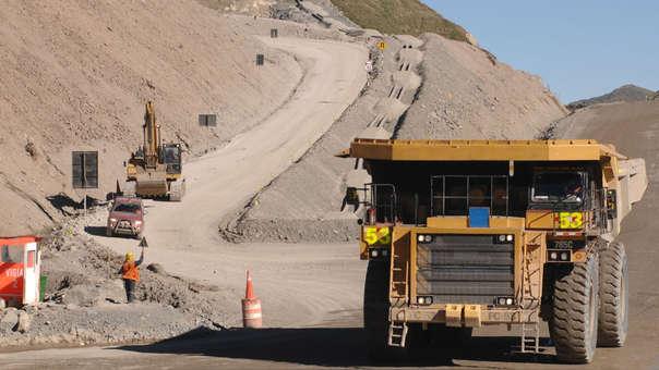 La fuerte recuperación de la inversión minera impulsa el crecimiento.