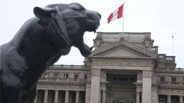Frontis del Palacio de Justicia, principal sede del Poder Judicial.