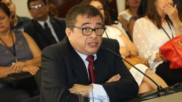 Jefe de la ONPE fue suspendido mientras duren las investigaciones.