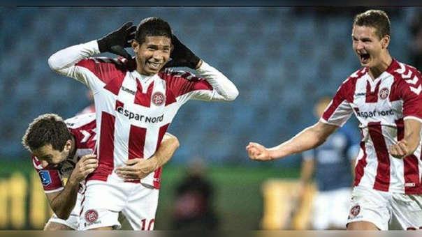 Edison Flores llegó al Aalborg procedente de Universitario.