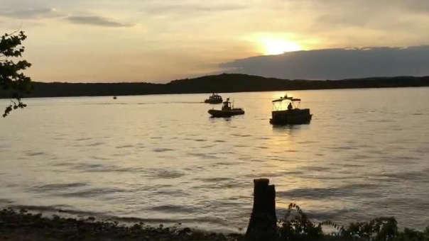 Barcos en el lago donde ocurrió la tragedia en Misuri.