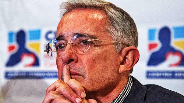 El expresidente Álvaro Uribe renunciará a su escaño en el Senado de Colombia.
