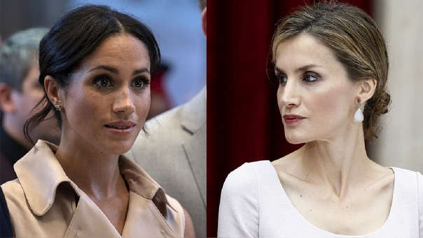 No tenían gustos tan distintos: Meghan Markle, duquesa de Sussex y Letizia Ortiz, reina de España, llevaron el mismo vestido en diferentes actos protocolares.