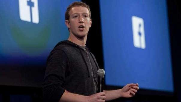 Accionistas piden que Zuckerberg se aleje del mando de la compañía dueña de la red social.