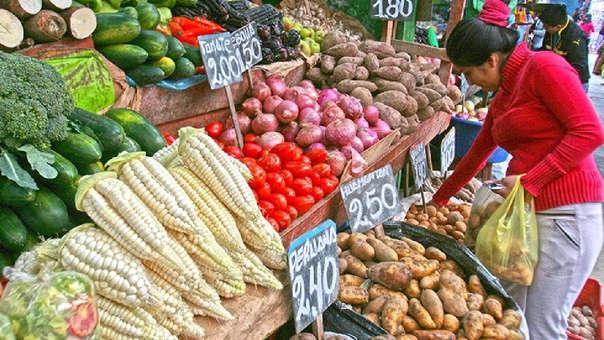 El Banco Central de Perú estimó recientemente que la inflación cerrará este año cerca de un 2.0 por ciento, ante una reversión de los choques de oferta de los alimentos.