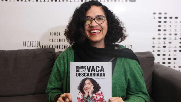 Wendy Ramos vendió miles de ejemplares de su libro en los primeros días de feria.