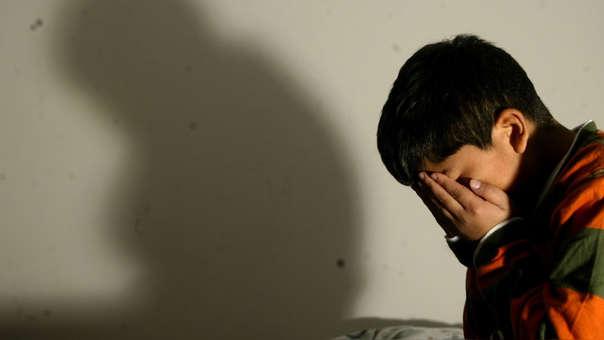 El abuso sexual hacia niños, niñas y adolescentes en el Perú es una violación de sus derechos humanos y un delito penal.