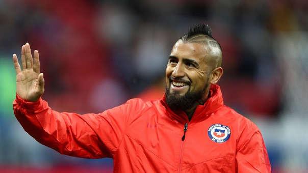 Arturo Vidal Barcelona oficializó el fichaje del jugador chileno ... fcc268c39d3
