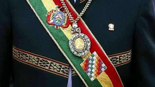 Imagen de archivo que muestra al presidente de Bolivia, Evo Morales, con la medalla y la banda presidencial.