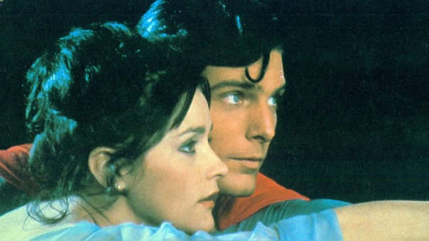 Margot Kidder y Christopher Reeves en una de las cintas de Superman.