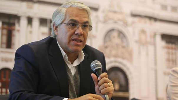 Gino Costa dijo que espera que Chávarry no demore en presentar su carta de renuncia.