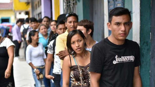 De los 700,000 desempleados en el país, 420,000 son jóvenes.