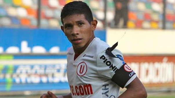 Edison Flores debutó profesionalmente con Universitario de Deportes en la temporada 2011.
