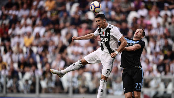 Cristiano Ronaldo buscará anotar su primer gol oficial con la Juventus.
