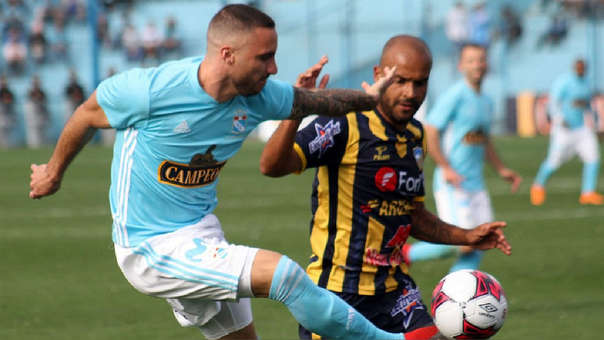 Sporting Cristal vs. Sport Rosario