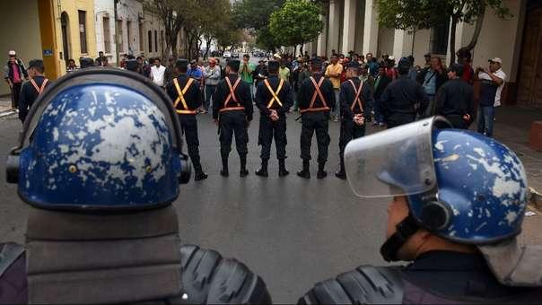 Policía en Paraguay.