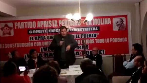 Alan García en un comité ejecutivo distrital del Apra.