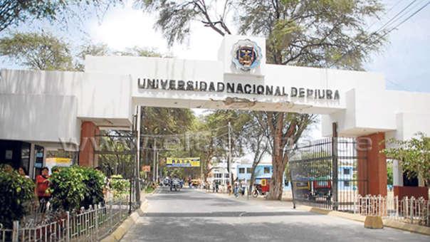 Puerta principal de Universidad Nacional de Piura