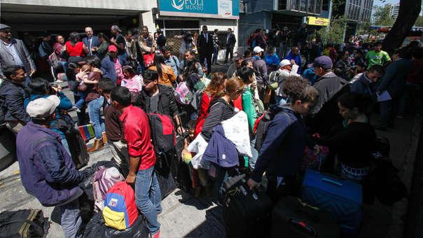 Inmigrantes venezolanos se preparan para regresar a su país de origen.