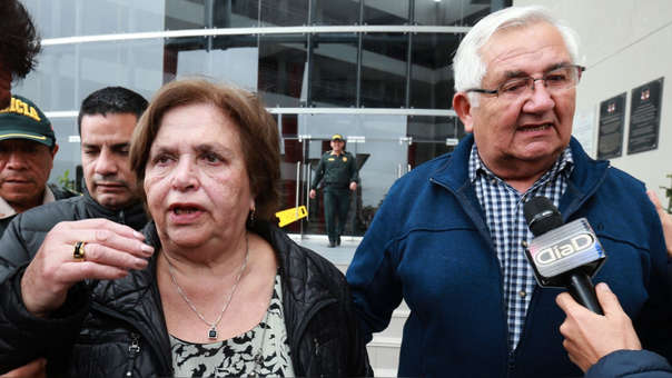 Los padres de Jorge Tóvar esperan que su hijo se pueda reunir con sus hijos.