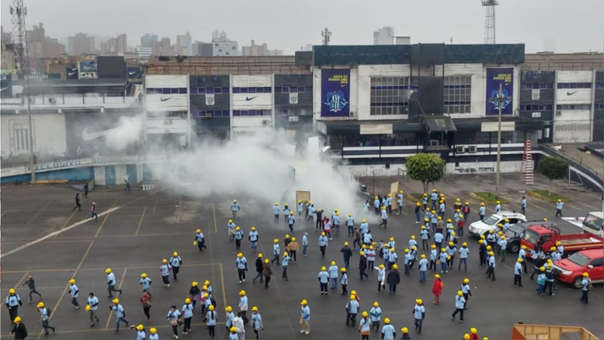 Los enfrentamientos ocurrieron horas después de la toma de la explanada del estadio.