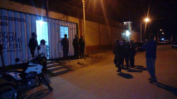Policía logró imponer orden en el centro, mientras otros agentes buscan intensamente a los fugitivos