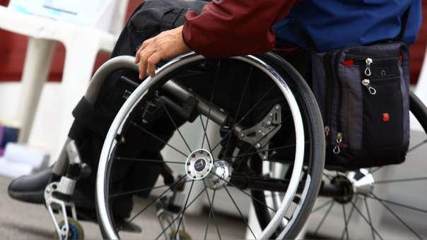 Se requerirá la resolución o escritura pública que establezca o modifique la designación de apoyos, el DNI y el certificado de discapacidad emitido por el CONADIS.