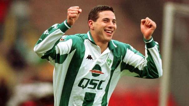 Claudio Pizarro dejó Alianza Lima en 1999 y llegó al Werder Bremen donde iniciaría su trayectoria en Alemania.