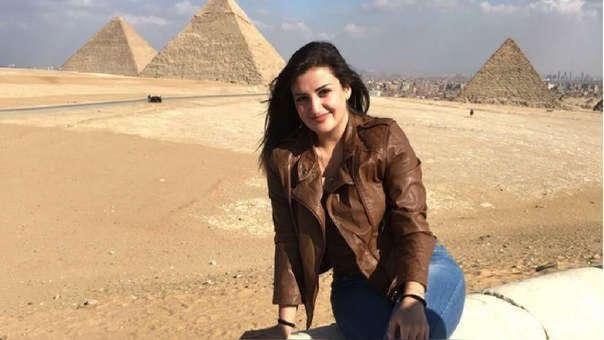 Foto de Mona Mazbuh durante su paso por Egipto.