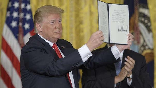 En junio de 2018. Donald Trump anunció ante el recientemente reformado Consejo Nacional del Espacio, una directiva para crear y de manera «inminente», una sexta rama de las Fuerzas Armadas.