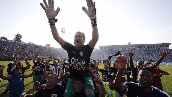Leao Butrón ha jugado en Alianza Lima en dos periodos: del 2004 al 2015 y del 2015 hasta la fecha.