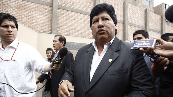 El proyecto de ley afectaría a Edwin Oviedo quien con ley promulgada en enero de este año, lo mantiene en la FPF hasta 2020.