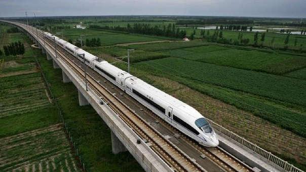 El tren bioceánico trasladaría a 6 millones de personas.