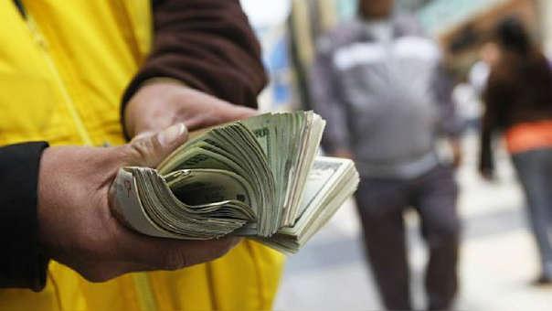 Cambistas cuánto cuesta el dólar