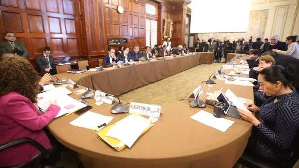 Comisión de Constitución aprobó por mayoría la composición de de las dos cámaras, senadores y diputados.