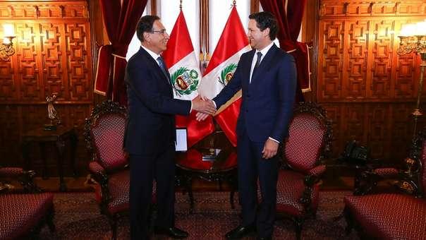 Vizcarra y Salaverry se reúnen en Palacio de Gobierno.