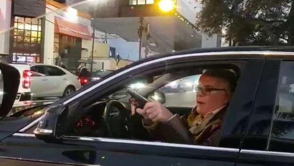 Manuel Liendo Rázuri amenazó con un arma a otro conductor que le reprochó por realizar una mala maniobra con su auto.