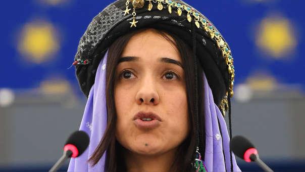 Nadia Murad durante un discurso ante el Parlamento Europeo.