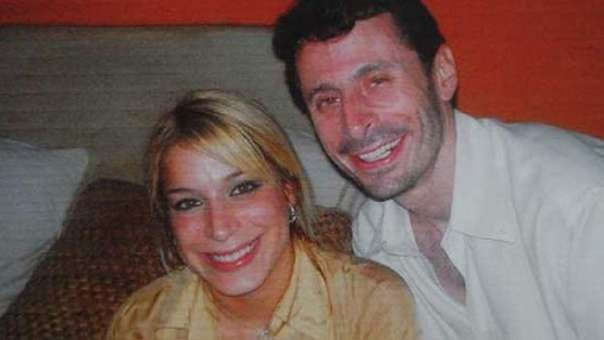 Foto de Áurea Vásquez Rijos y su esposo, el canadiense Anhang Uster.