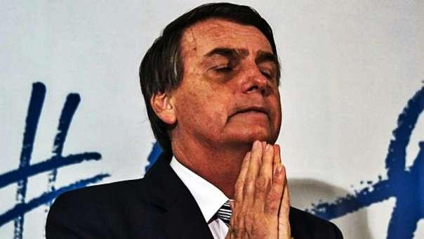 El ultraderechista Jair Bolsonaro, el primero en los encuestas para las elecciones de Brasil, tiene el apoyo de iglesias evangélicas.