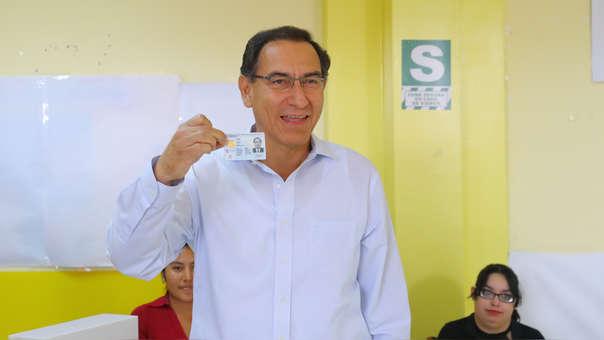 El presidente Martín Vizcarra votó este domingo en Moquegua.