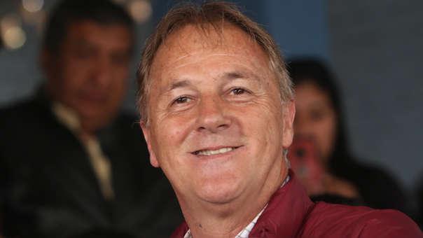 Jorge Muñoz postuló a la alcaldía de Lima con Acción Popular. Previamente, hizo su carrera política con Somos Perú.