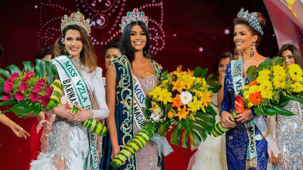 La Miss Venezuela del 2017, Sthefany Gutierrez (centro) junto a Veruska Ljubisavljevic (derecha) y Mariem Velazco.