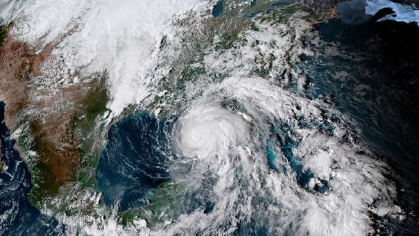 Fotografía satelital Geo-Color del huracán Michael tomada por la Administración Nacional Oceánica y Atmosférica de los Estados Unidos (NOAA).