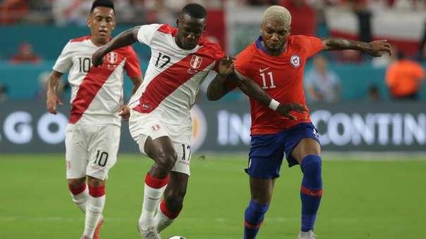 Luis Advíncula anotó su primer gol con la Selección Peruana ante Alemania.